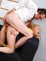 Suzy helped her tutor to relax by sucking his rod